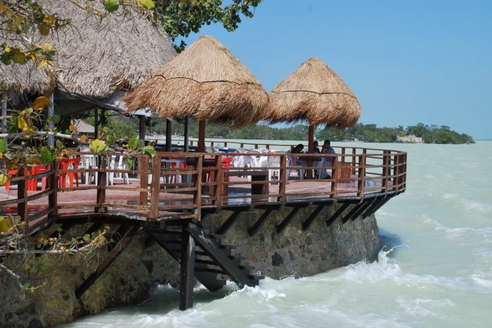 Quintana Roo presents projects to trigger the southern economy